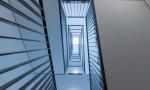 Cage d'escalier dessinée par actescollectifs architectes