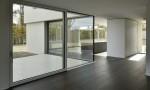 Villa contemporaine moderne à Founex villa béton Counson architectes hkm parquet