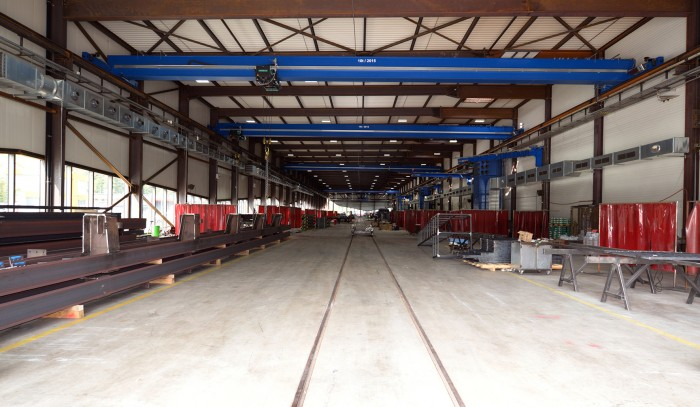 Halle de construction métallique