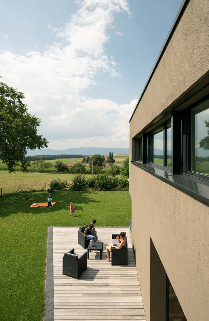 Villa familiale contemporaine moderne Patrick Minder Architectes